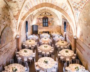 Allestimento matrimonio cena in antica rocca