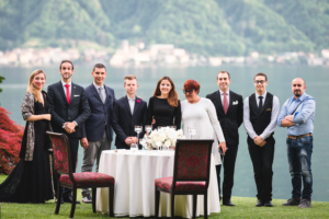 Staff the white rose in riva al lago di como