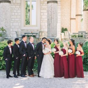 Foto con sposi testimoni e damigelle